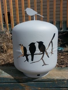 This is a propane tank bird feeder. I cut this out of an empty 20 lbs propane tank for a very good friend of mine. I used my plasma cutter to cut it out. Metal Projects, Welding Projects, Metal Crafts, Metal Yard Art, Scrap Metal Art, Propane Tank Art, Propane Cylinder, Plasma Cutter Art, Steel Art