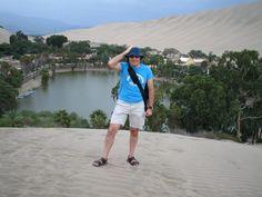 Walter en el Oasis de la Huacachina, Desierto de Ica, Perú