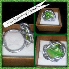Anello in alluminio con madreperla verde