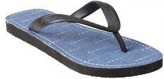 Uzurii men denim orginal blauw slipper  Heren slipper van het merk Uzurri model Men Denim Original. Deze blauwe slipper voor heren is geheel vervaardigd met de hand en bestaat uit hoogwaardige materialen. Deze exclusieve slipper van Uzurri heeft een bijzondere denim bekleding over het voetbed wat de slipper een stoere uitstraling geeft. Deze Uzurri heren slipper is voorzien van hoog draagcomfort. Deze Uzurii slippers zijn voorzien van veel kwaliteit en vakmanschap. Deze stoere denim heren…