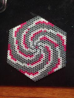 Pink Vortex by Katie Binesh Pony Bead Patterns, Hama Beads Patterns, Beading Patterns, Cross Stitch Patterns, Hexagon Quilt, Hexagons, Pearler Beads, Fuse Beads, Pixel Art
