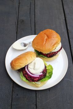 Recipe: Beetroot and Chickpea Burgers