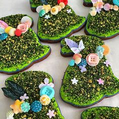 Topiary Easter Bunnies. ?? Hey Mike - thanks for making it easy for me to make the moss... I've been wanting to attempt since last year. ?? @semisweetmike Aaaaannnd as always @tammy_______ ...