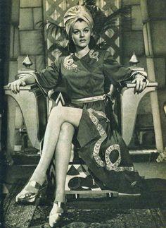 Lorna Gray....love the turban!