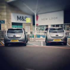 Found a twin whilst charging my car. #electricvehicle #freecharging #nissanleaf #LEAF #EV #snap by fat.girl.slimming