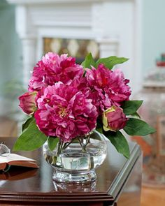 Peony Centerpiece #wedding www.BlueRainbowDesign.com