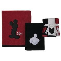 Mickey Bath Towel Set. I want these for my mickey mouse bathroom!
