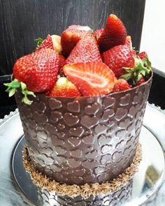 Strawberry, Fruit, Tags, Food, Sprinkle Cakes, Birthday Cakes, Gourmet Popcorn, Smash Cakes, Bolo De Chocolate
