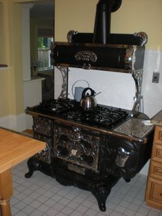 Antique Wood Cook Stove ~ What A Beauty!