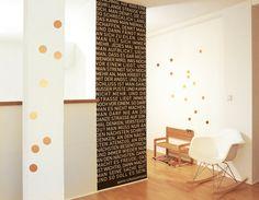 Wandsticker aus hochwertiger Goldfolie  20 Punkte mit 5 cm Durchmesser  Die Punkte können ganz nach Lust und Laune an der Wand oder jeglichem anderen Untergrund wie Glas, Holz, Türen......