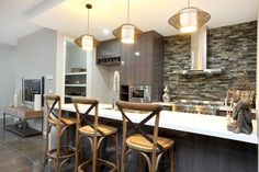Our friends at Mimosa Homes have nailed a subtle Balinese style kitchen here, with hanging pendant lights and a dark colour palette, topped off with wooden furnishings. Dark Color Palette, Dark Colors, Colours, Door Furniture, Hanging Pendants, Open Plan Living, Balinese, Kitchen Styling, House Colors