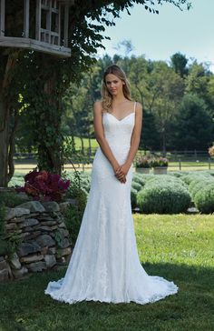 Nice Sincerity Bridal features romantic and classic wedding dresses Available exclusively in Bend Oregon at The Bridal Suite u Special Occasion