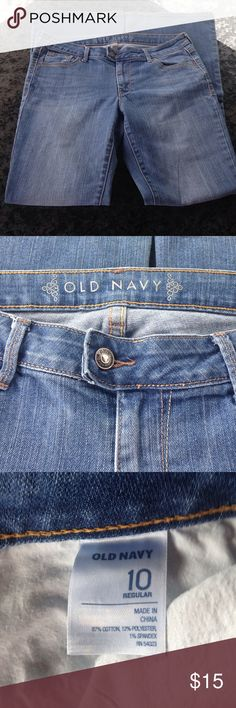 Old navy flare jeans Old navy jeans! Flare leg good condition!! Has stains and frayed at bottoms of legs ! Please examine photos! Repost!! To big for me! Thanks I'm a smoker Old Navy Jeans Flare & Wide Leg