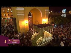 Salida de la Esperanza Macarena - Madruga Sevilla 2014 - YouTube