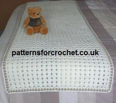 Free Bed Runner Crochet Pattern from www. very easy and pretty stitch, available in UK and USA format. Crochet Kitchen, Crochet Home, Crochet Crafts, Crochet Yarn, Crochet Projects, Free Crochet, Crochet Ideas, Yarn Projects, Yarn Crafts