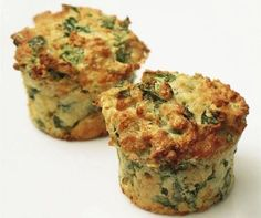 Spicy spinach muffins is a recipe with fresh ingredients from the muffin category. Try this and other recipes from EAT SMARTER! Low Gi Snacks, Low Gi Breakfasts, Healthy Snacks, Veggie Muffins, Savory Muffins, Healthy Muffins, Corn Muffins, Low Gi Diet, Low Gi Foods