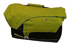 Fenja(フェニア)/2012年よりスタートした本格的メッセンジャーバッグ。PC収納スリープをはじめ、ビジネスシーンやタウンユース、またトラベル時も大活躍出来るポケットや機能が満載です。素材:100%リサイクルナイロン。サイズ: 16L(45×15×30cm)。