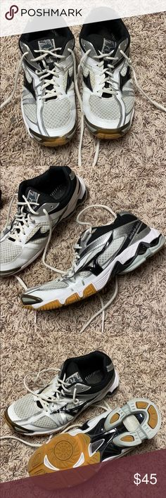 mizuno womens volleyball shoes size 8 x 3 inch quarter collar