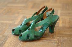 1940s green cuban heel pumps!