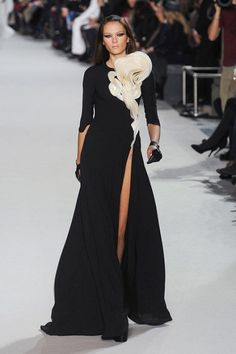 What Kim Kardashian's Stephane Rolland dress could have looked like.. couture dreams.