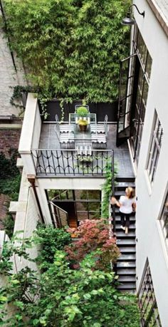 Tiny backyard with multiple levels of access between floors. Love the partial ba. Kleiner Garten m Brooklyn Brownstone, Brownstone Homes, Brownstone Interiors, Brooklyn House, Apartment Balcony Garden, Apartment Balconies, Cool Apartments, Balcony Door, Outdoor Spaces