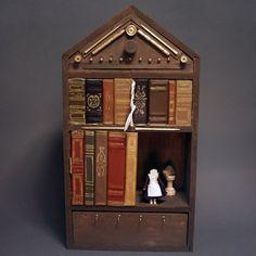 An ordinary book-shelf? Eli Whitney, Whitney Museum, Old And New, The Borrowers, Bookshelves, Workshop, Shelf, Miniatures, Houses