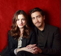Jake Gyllenhaal fala sobre três coisas que ele não gosta em Anne Hathaway.