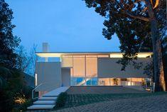 Casa Iporanga - Guarujá (SP) Arquitetura: Ximenes Leite Arquitetura e Mario Biselli