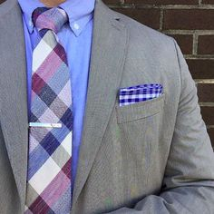 The Amateur Professional mixing tones and patterns to create a #casualfriday look.