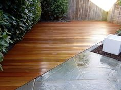planting-wood-fencing-paving-tile-grey-colour-modern-design-decking-london-balham-clapham-wandsworth