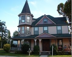 The Breakers, a Colonial Beach Virginia Bed and Breakfast