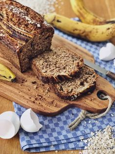 Juicy banana bread with oatmeal and nuts - Juicy banana bread with oatmeal and nuts - Fodmap Recipes, Keto Recipes, Evening Meals, Sauce Recipes, Quick Easy Meals, Banana Bread, Food And Drink, Snacks, Baking