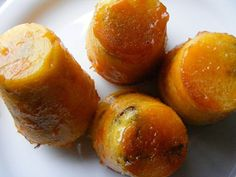Rum baba azaz Baba au Rhum Chantilly Cream, French Food, Sweet Cakes, Let Them Eat Cake, Rum, Cake Recipes, Cupcake, Peach, Sweets