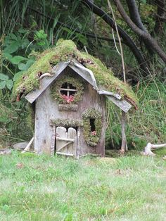 a reminder that fairy houses and gardens are not MEANT TO BE PERFECT! here's a Lopsided fairy house Fairy Garden Houses, Gnome Garden, Fairy Gardens, Miniature Gardens, Meadow Garden, Fairy Land, Fairy Tales, Fairy Village, Gnome House