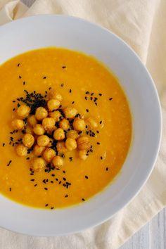 Irgendwie süßlich durch Karotten, aber auch irgendwie pikant durch Curry. Irgendwie bodenständig durch gelbe Bete, irgendwie exotisch durch...