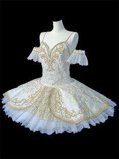 Ophelia www.theworlddances.com/ #costumes #tutu #dance