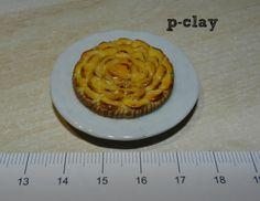 Apple pie (miniature, polymer clay). Tarta de manzana (miniatura, arcilla polimérica).