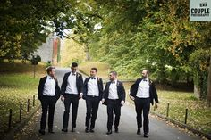 The groomsmen are ready and on their way! Weddings at Durrow Castle photographed by Couple Photography.