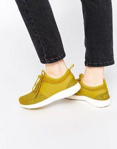 Zapatillas de deporte amarillas Juvenate de Nike