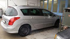 Peugeot 308 en tôlerie pour réparations arrière côté droit. Carrosserie inter-union - 53 route de suisse, 1295 Mies Tél.022 755 45 30 - Fax. 022 779 03 28 Site internet: www.interunion.ch