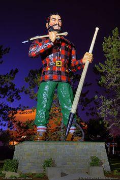 Paul Bunyan Statue in Bangor, Maine - 31 feet high.  Pinned by www.mygrowingtraditions.com