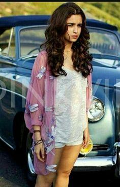 Help me find the dragonfly kimono wore by Alia Bhatt