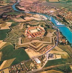 Piemonte had a particularly important position as the transit area between the Alps and the Po Valley, with a pivotal role between the Via Francigena which led to Roma from Canterbury