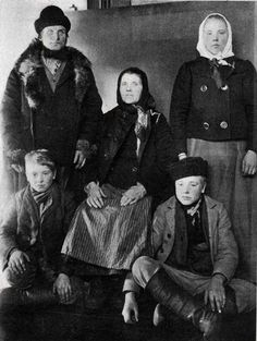 A Finnish Family at Ellis Island. Look at the man on the top left.