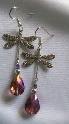 If I wore earrings, I'd definitely want these!