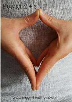 Dynamind - eine Technik gegen Stress, Schmerzen und Unwohlsein - happy-healthy-raw - Ganzheitlich gesund mit Jen Fuchs Heart Ring, Stress, Hand Signals, Rib Cage, Fox, Healthy, Heart Rings, Psychological Stress