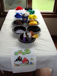 Make your own Angry Bird table at Elizabeth's birthday party