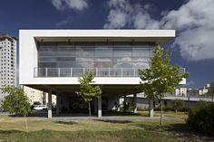 Tirat Carmel Library by Schwartz Besnosoff Architects