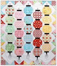 Happy Glow Japanese Lantern Quilt | We're in love with this pretty pastel quilt idea!