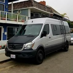 Sportsmobile Sprinter van with Aluminess gear. Thanks to @oursprinterlife for the pic  .  #aluminess #roofrack #ladder #sprinterlife #sprintervan #mercedes #sprinter #adventurevan #adventuremobile #sprintercampervan @sportsmobilewest @sportsmobiles